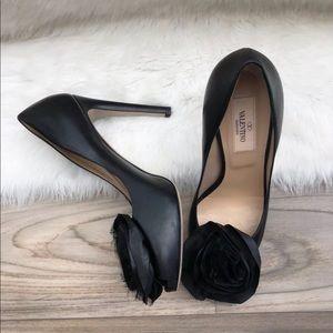 Valentino peep toe pumps rosette black leather 6.5